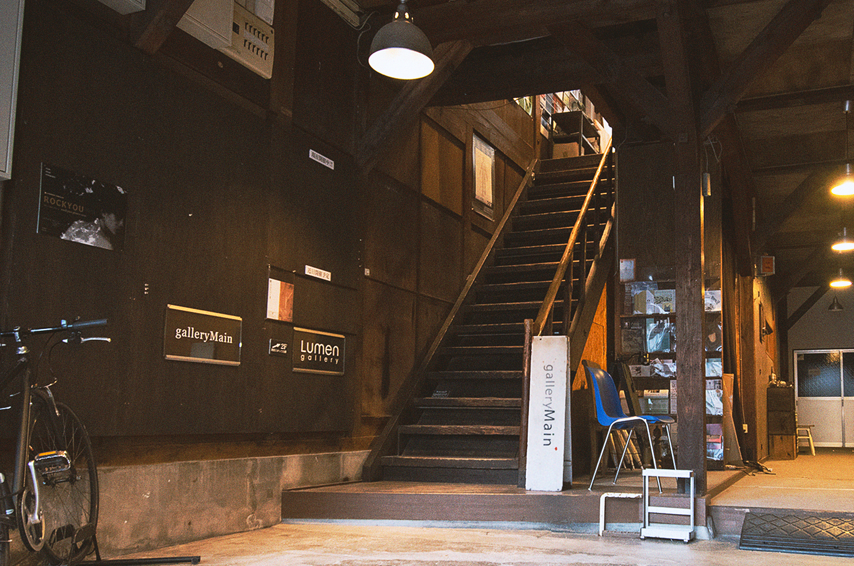 galleryMain入り口階段